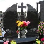 Что нужно знать при покупке ритуального памятника?
